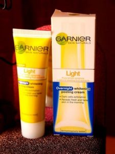 Garnier Light Overnight Whitening Peeling Cream
