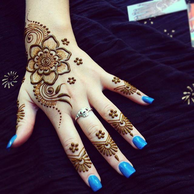 henna mehndi design simple