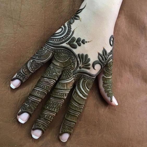 mehndi design for full fingers