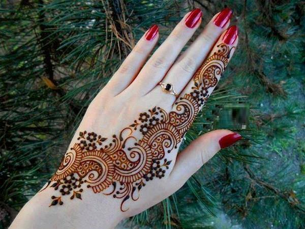 simple mehndi design back hand